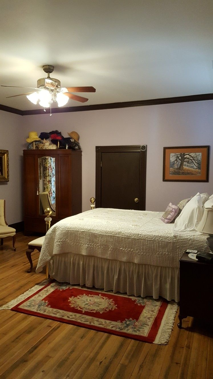 Columbiana Inn, Bed & Breakfast in Alabama. The Purple