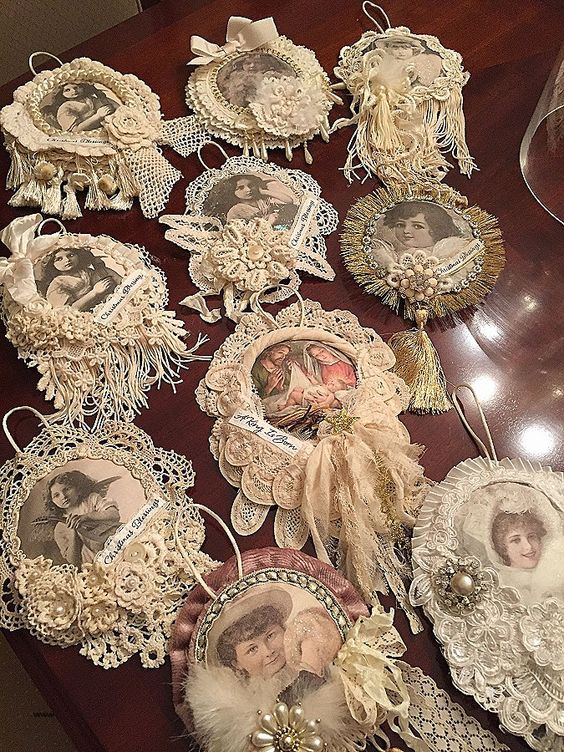 Photo of 100 Shabby Chic Christmas Decors That Celebrates Your Love for All Things Vintage & Pastel – Hike n Dip