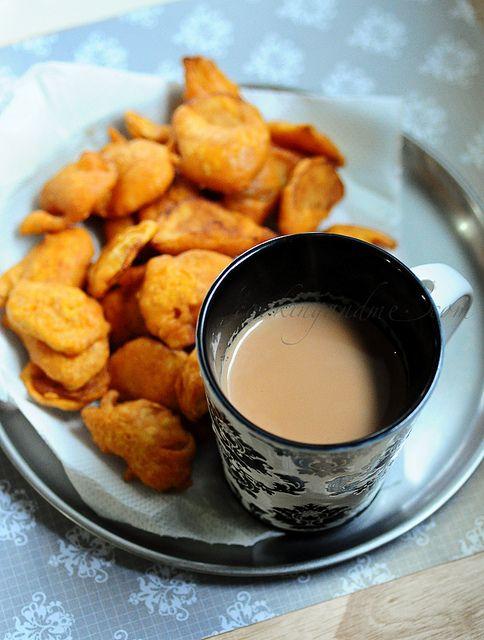Aloo Bajji / Potato Bajji | Quick n Easy Snacks by Nags The Cook, via Flickr