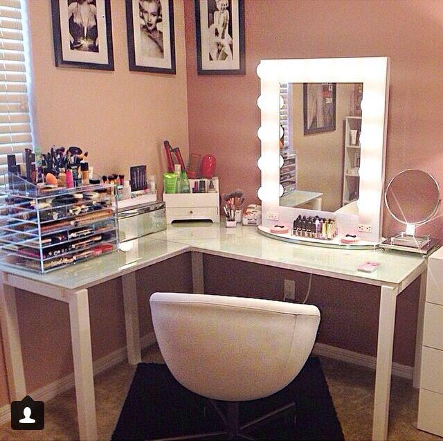 Best Vanity Beauty Room 640 x 480
