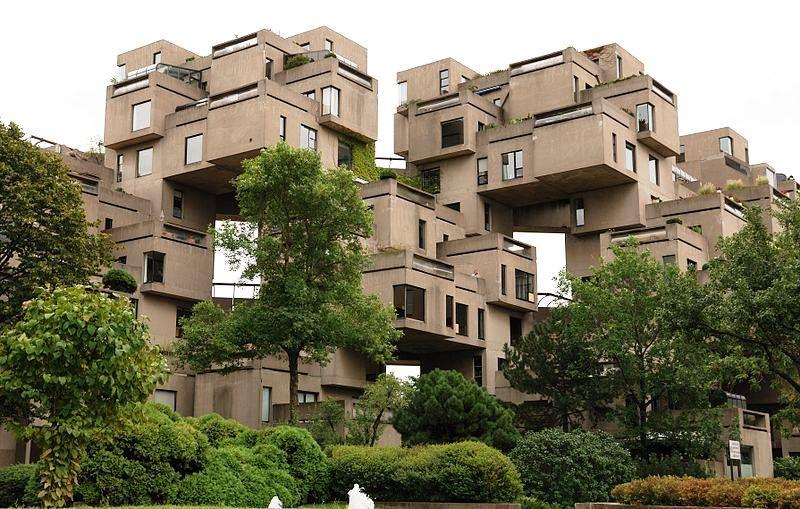 Habitat67 progetto della Art Brut di Moshe Safdie a Montreal (Canada) foto tra gli alberi