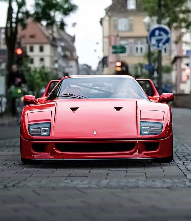 Ferrari F40. Absolute perfection!