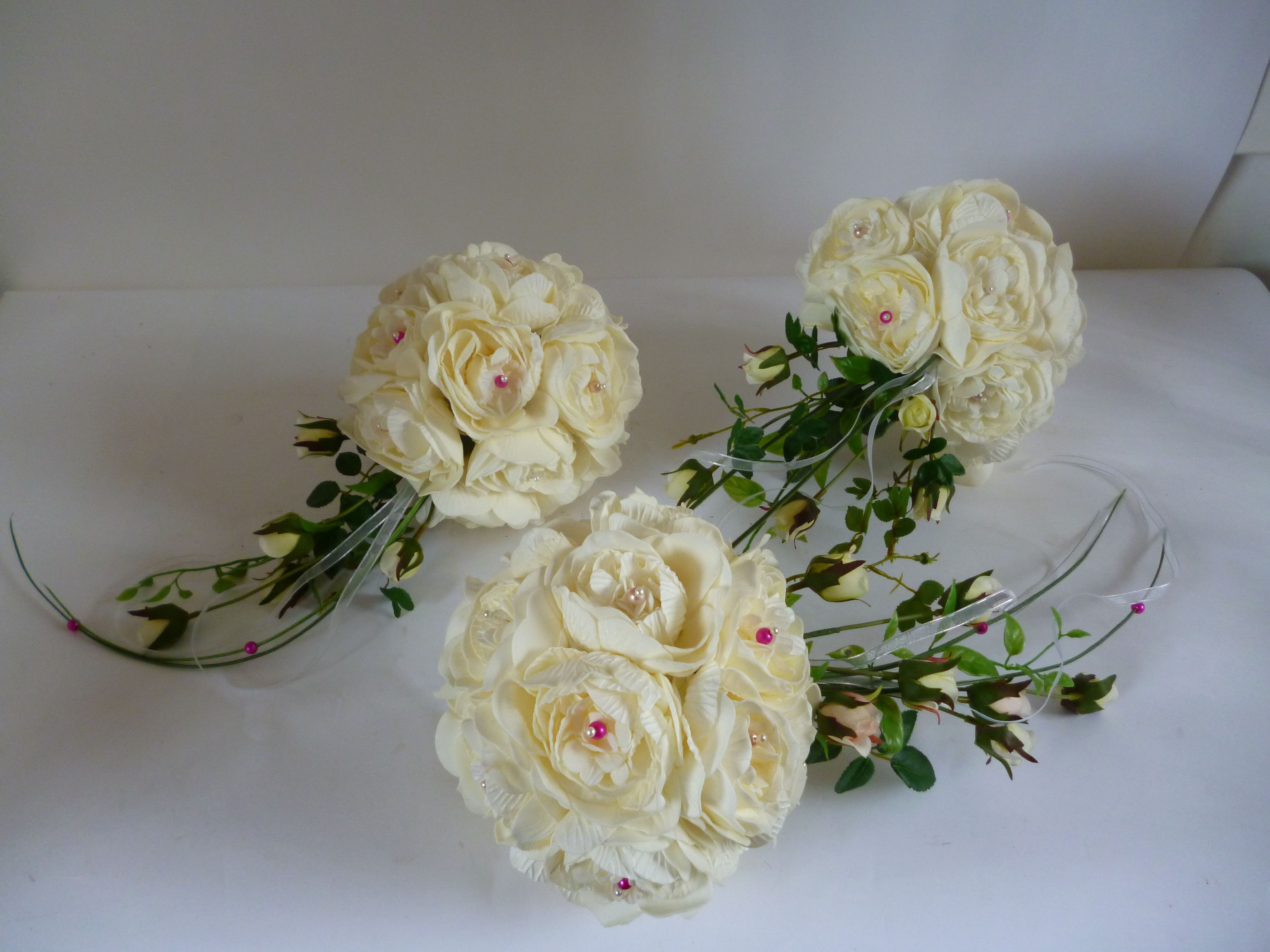 The Bridesmaids Bouquets for last Saturday :)