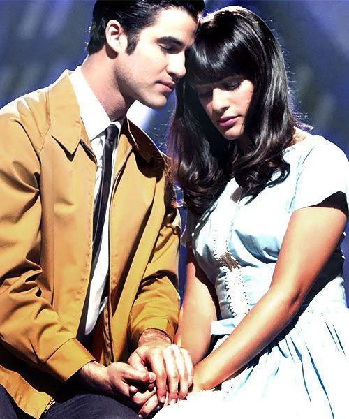 Wie is Blaine dating op Glee