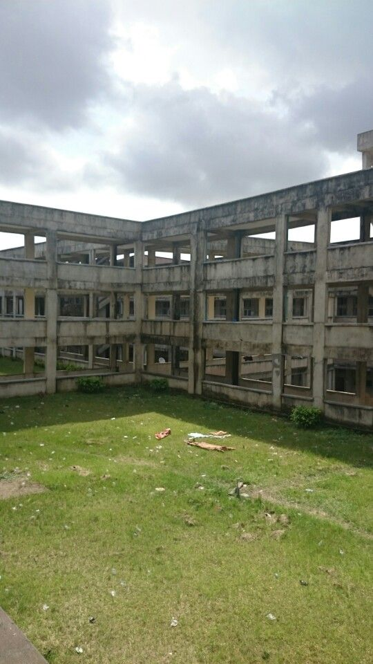 The New University Hospital il Calabar Nigeria. Was builded 8 years ago