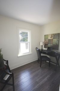Contemporary 3 Bedroom 1 Bathroom Unit Close To Ottawa St Bathroom Units Home 3 Bedroom Apartment