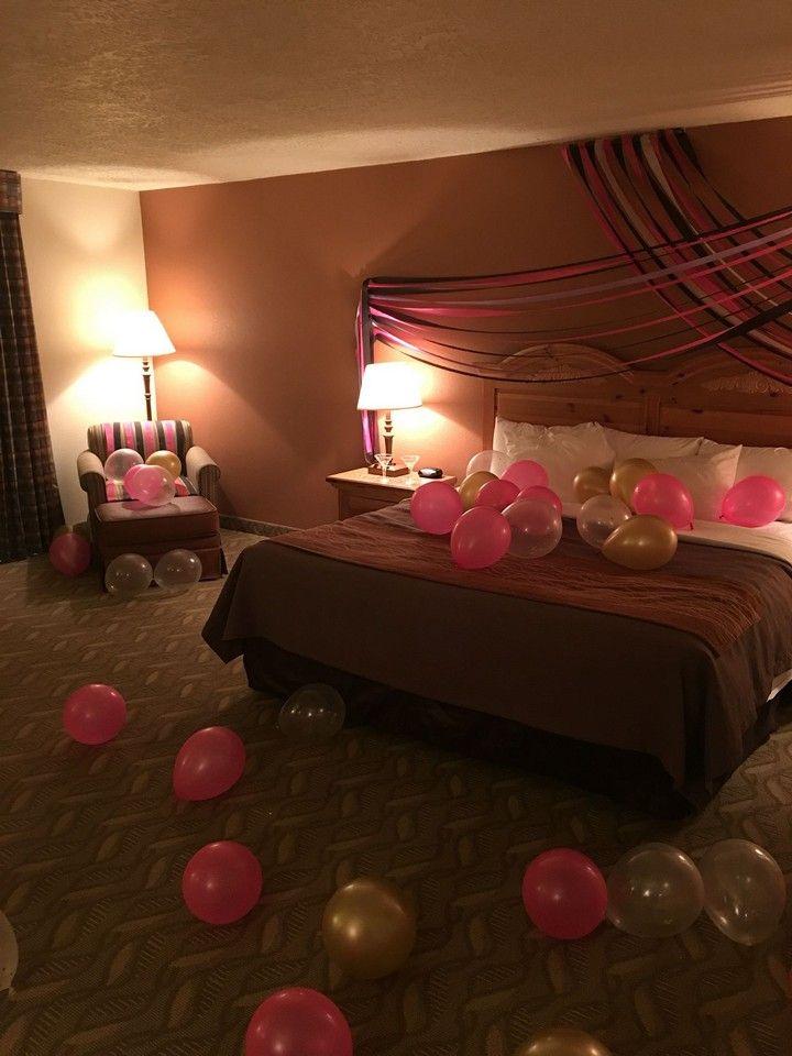 Romantic Hotel Room Ideas: 10 Romantic Bedroom Ideas That Set The Mood In 2020