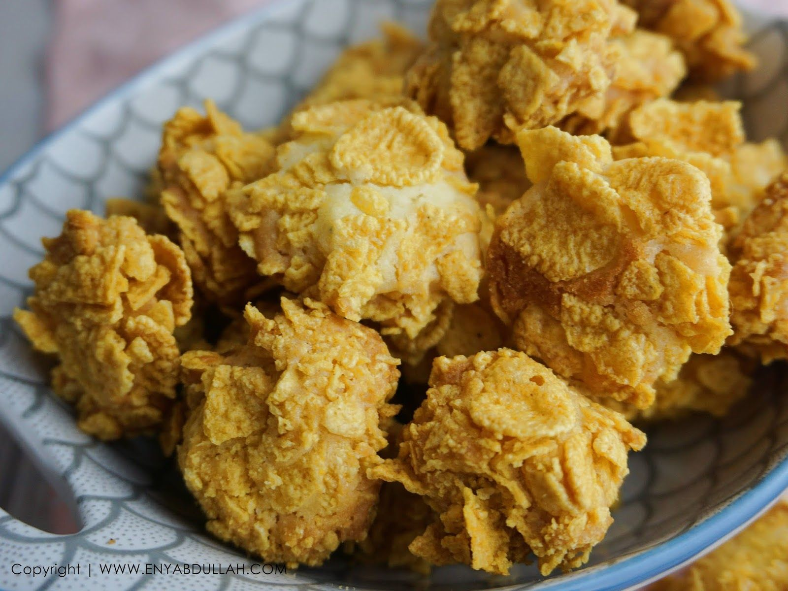 Biskut cornflakes, cornflakes ball, resepi kuih raya cornflakes, biskut cornflakes mudah, biskut