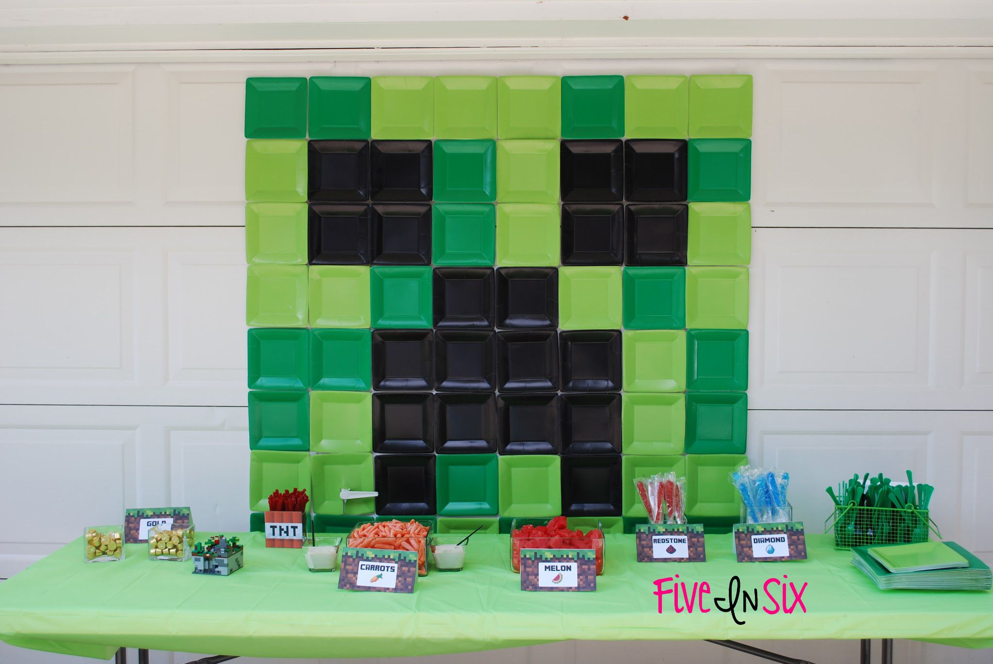 Minecraft party decoration ideas and downloadable printables five in six blog also rh ar pinterest