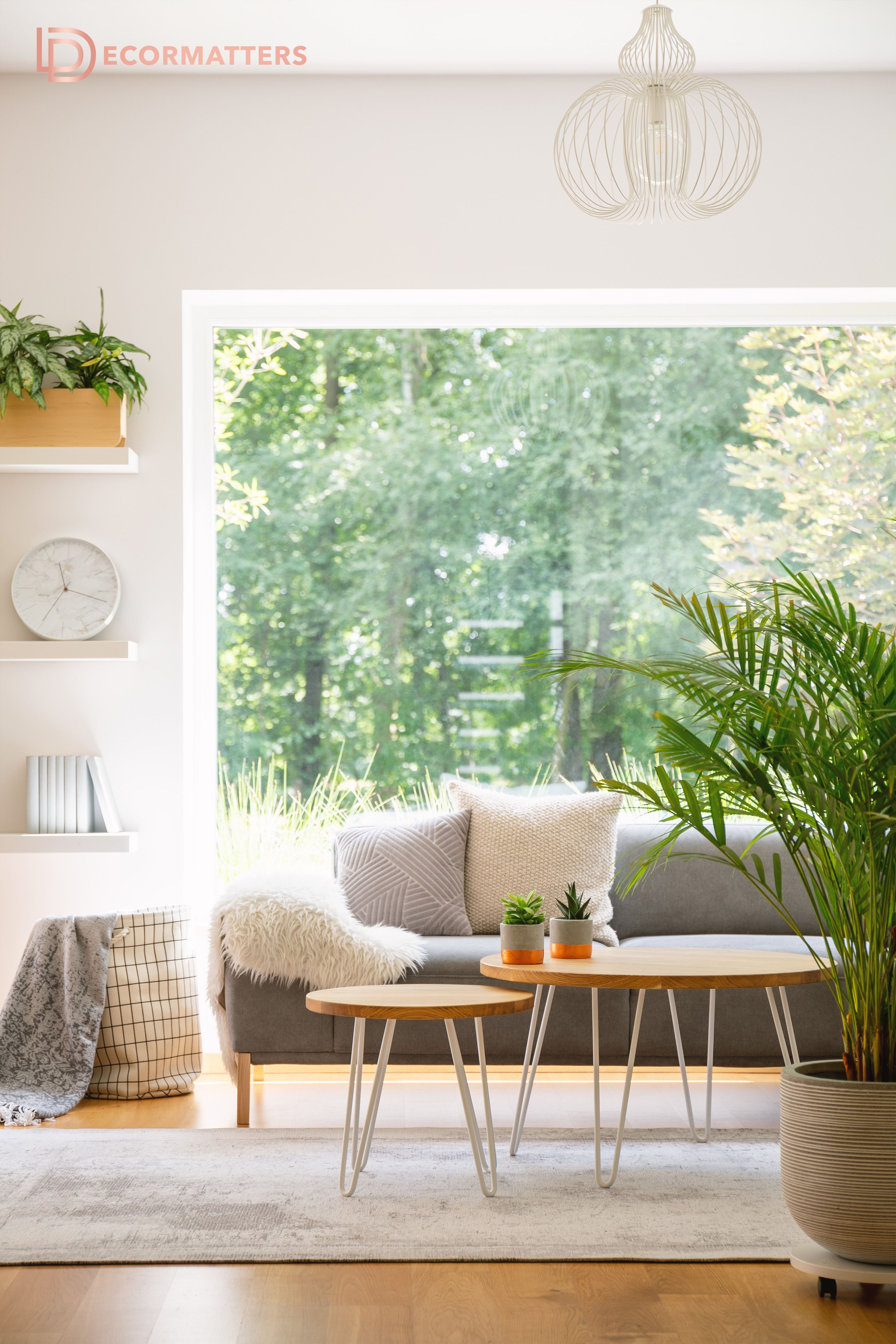 Bright And Warm Living Room Interior Design White Walls Pillows Fuzzy Blanket And Greenery Green Living Room Decor Living Room Warm Minimalist Living Room #warm #minimalist #living #room