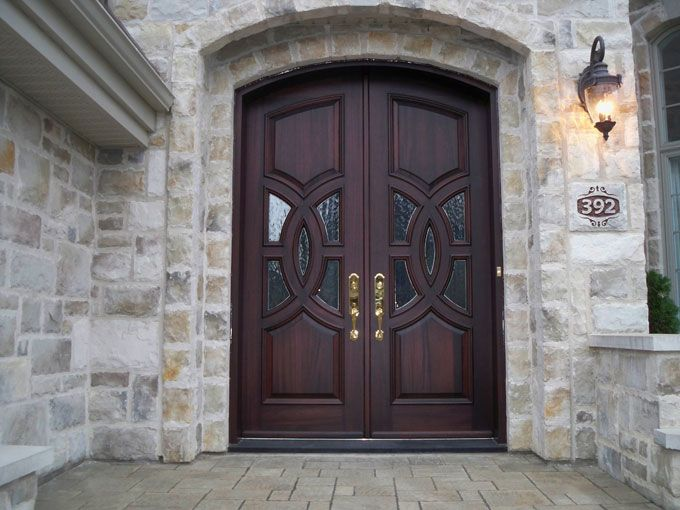 Porte De Bois Massif Double De Style Champêtre, En Acajou Avec Panneaux  Embossés Et Insertion