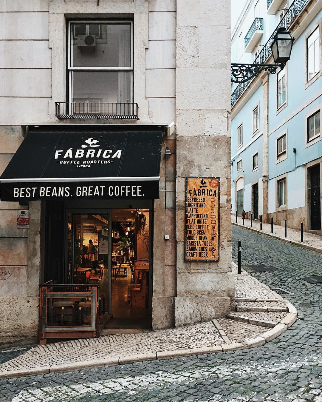 Fabricacoffeeroasters Has Three Locations Just For You One Of Them Is A Coffee Truck Which Looks Amazing Check T Coffee Roasters Cafe Restaurant Coffee Shop