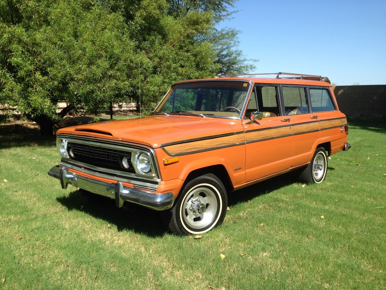 Jeep Wagoneer Base Sport Utility 4 Door