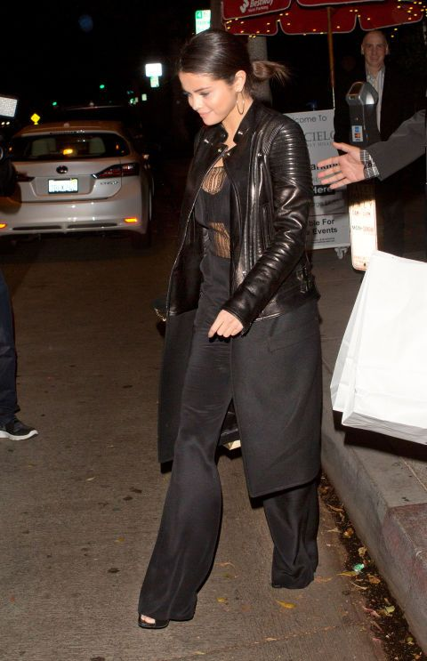 Selena's dark nighttime look is just the right amount of flirty.