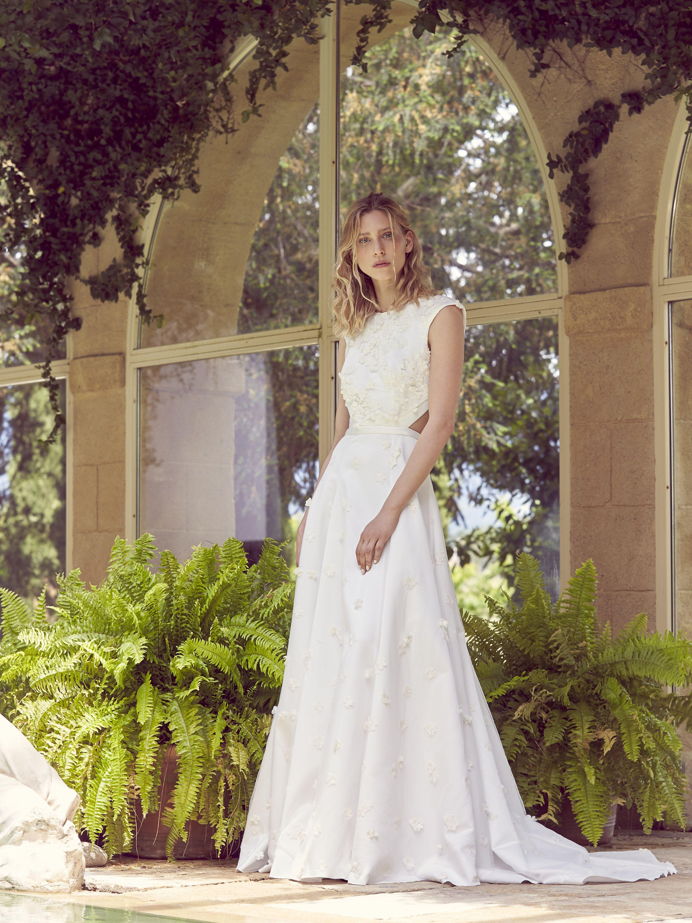 Amadis | Robe de mariage simple, Idées vestimentaires
