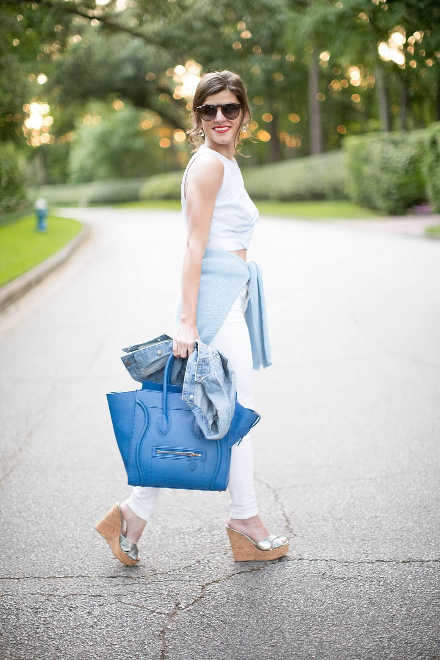 wear white jeans, Wedges outfit