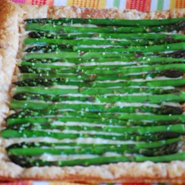 Everyday Food, March/April 2003 Prep Time 15 minutes Total Time 45 minutes Yield Serves 4 Add to Shopping List Ingredients  Flour, for work surface 1 sheet frozen puff pastry 5 1/2 ounces (2 cups) Gruyere cheese, shredded 1 1/2 pounds medium or thick asparagus 1 tablespoon olive oil Salt and pepper Directions  Preheat oven to 400 degrees. On a floured surface, roll the puff pastry into a 16-by-10-inch rectangle. Trim uneven edges. Place pastry on a baking sheet. With a sharp knife, lightly…