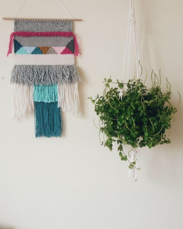 Hand Woven Wall Hanging, Woven Tapestry par undertheoaktreeshop sur Etsy https://www.etsy.com/fr/listing/212745506/hand-woven-wall-hanging-woven-tapestry