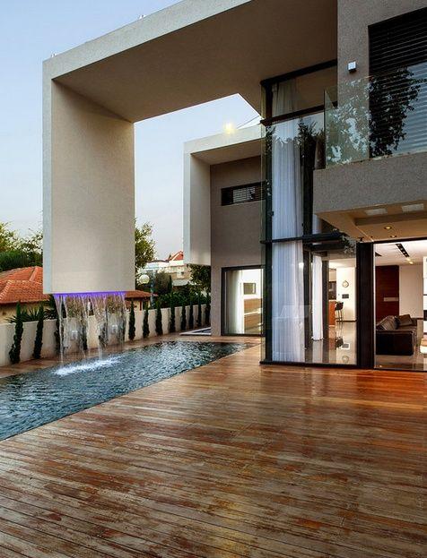 I would like a waterfall outside my house, please | Modern Houses ...