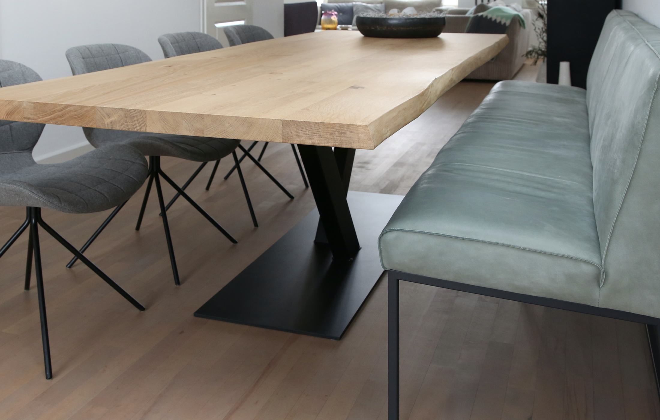 Complete eetkamer met Table du Sud meubels, is het geen plaatje ...