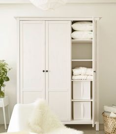 ikea white hemnes wardrobe google search new digs pinterest schrank schlafzimmer und. Black Bedroom Furniture Sets. Home Design Ideas