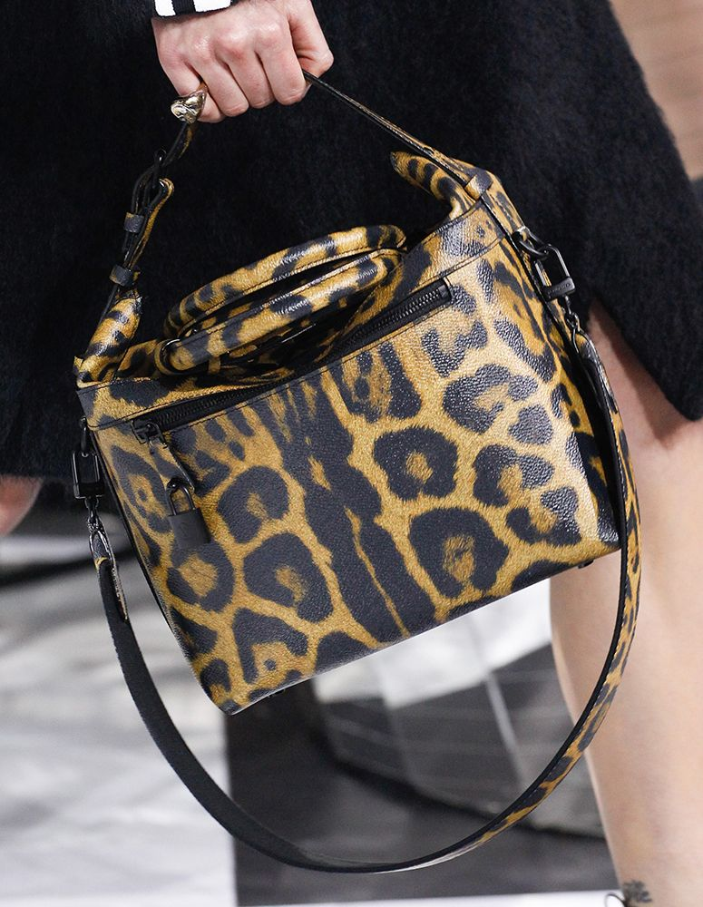 louis vuitton 2016 handbags. louis vuitton\u0027s fall 2016 bags introduced new shapes and prints vuitton handbags v