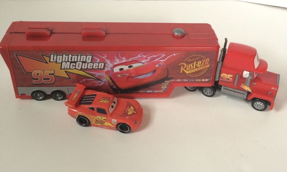 Disney Mack Superliner Truck Playset Lightning McQueen Car