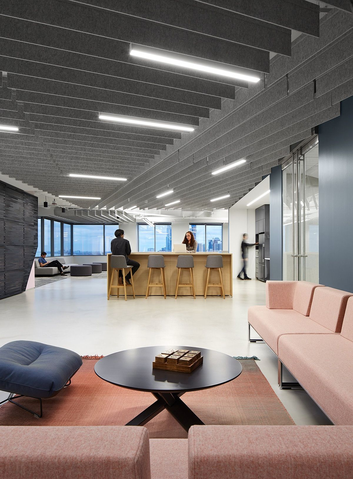 A tour of two prudential plaza marketing suites in chicago - Interior design companies chicago ...