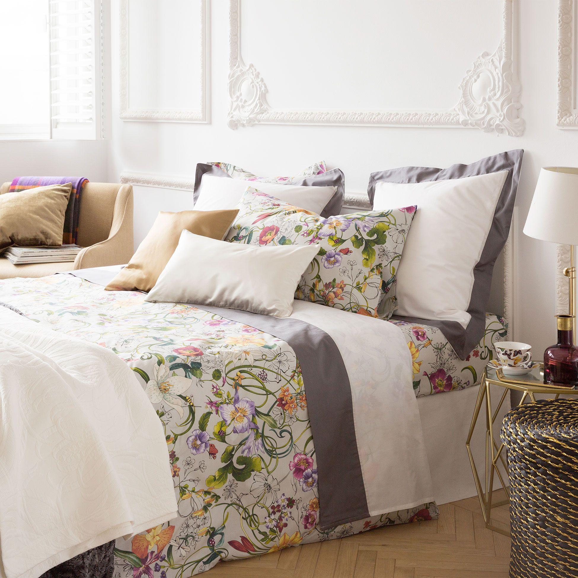 linge de lit fleurs multicolore linge de lit lit. Black Bedroom Furniture Sets. Home Design Ideas