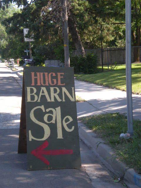 Pin By Diane Skelton On Flea Markets Yard Sales Yard Sale Signs Barn Sale For Sale Sign