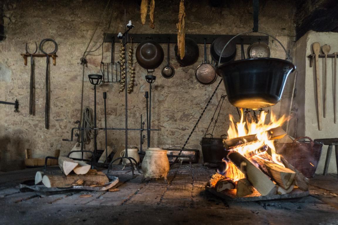Kochen Im Mittelalter Kein Strom Und Kein Gas Yummy Travel Mittelalter Mittelalter Bilder Kochen