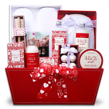 valentines day gift baskets for her google search - Valentines Day Gift Basket Ideas