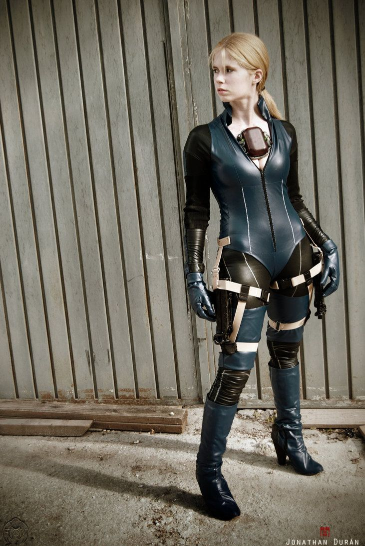 Model Cosplay Me As Jill Valentine Battle Suit From