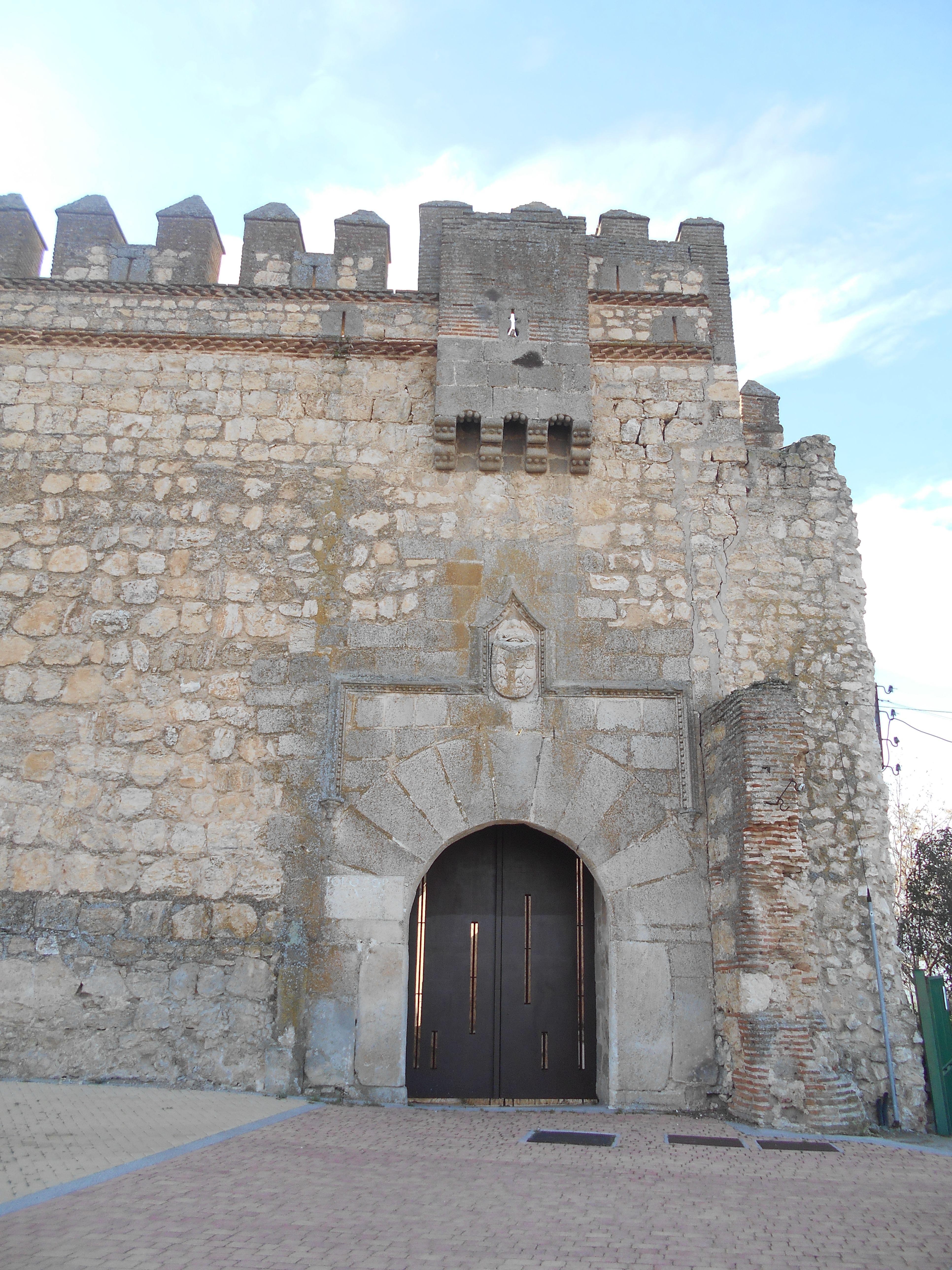 Castillo De Maqueda Tiene Un Matac N Sobre La Puerta Blasonada De  # Muebles Niza Cordoba Castro Barros