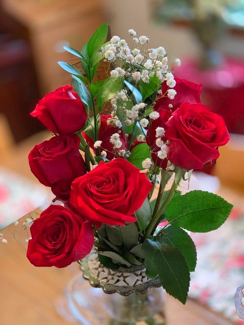باقة ورد جميلة باقات ورد صباحية جميلة جدا باقة ورد كبيرة Zina Blog Good Morning Images Flowers Good Morning Rainy Day Red Rose Flower