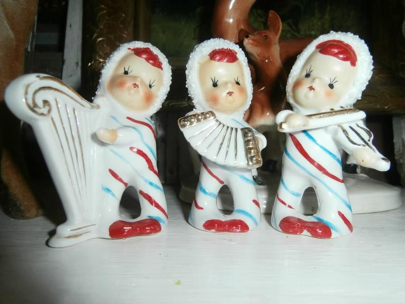 Miniature FAIRY GARDEN Figurine ~  Winter CHRISTMAS Glitter Girl with Bluebird