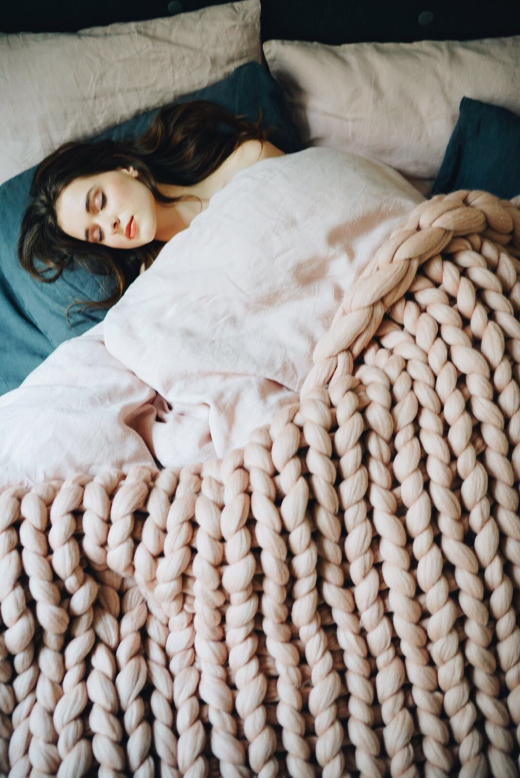 A big and fluffy chunky knit blanket in dusty pink color for you to snuggle with in those lazy Sundays.   chunky knit   merino wool   throw blanket    wool blanket   mornings