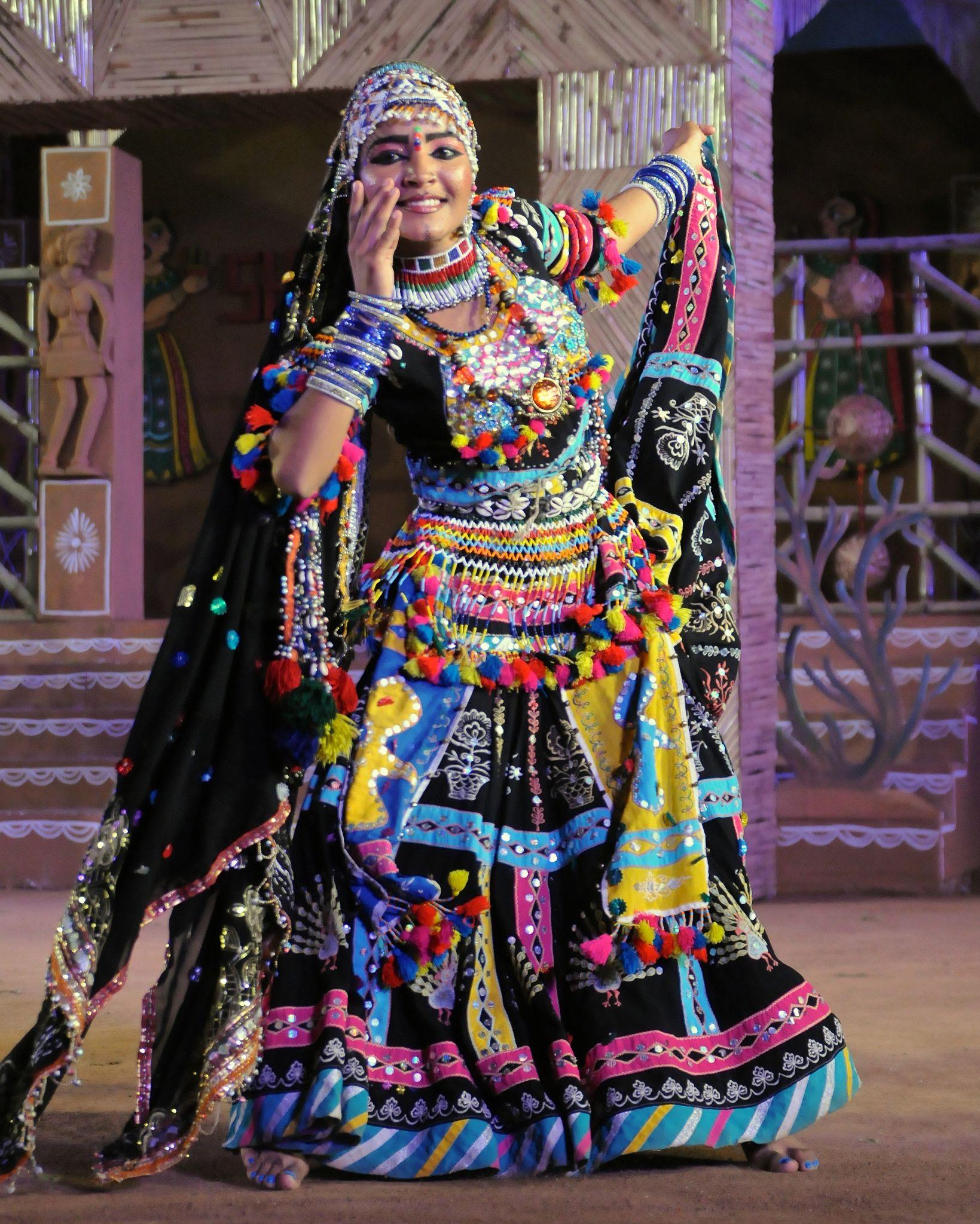 35f75ea21052 Kalbelia dancer at Shilpgram Fair - Udaipur, India in 2019 | Artdoll ...