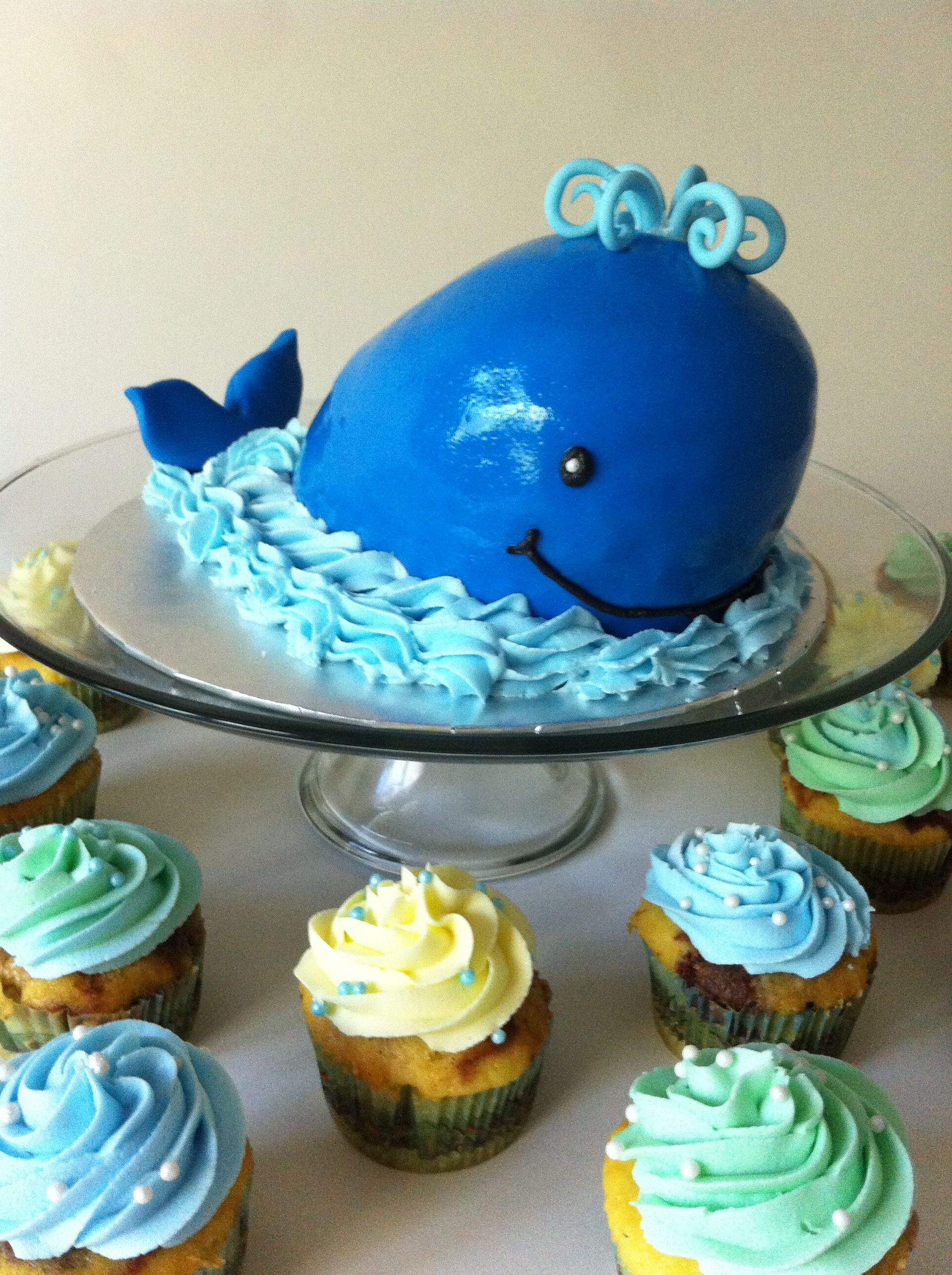 Going to make this for my daughters birthday Pink whale instead