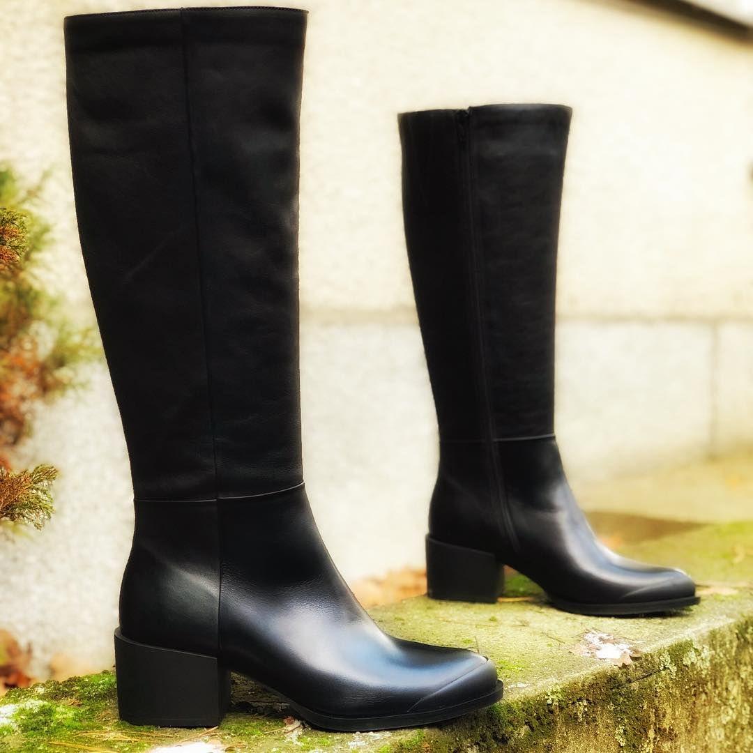 Zimnooooo Kto Lubi Zime I Ten Kto Nie Lubi Co Zrobic Jedyne Wyjscie Zalozyc Ocieplane Kozaki Nasze 7mil Jak Zaw Knee Boots Boots Rubber Rain Boots