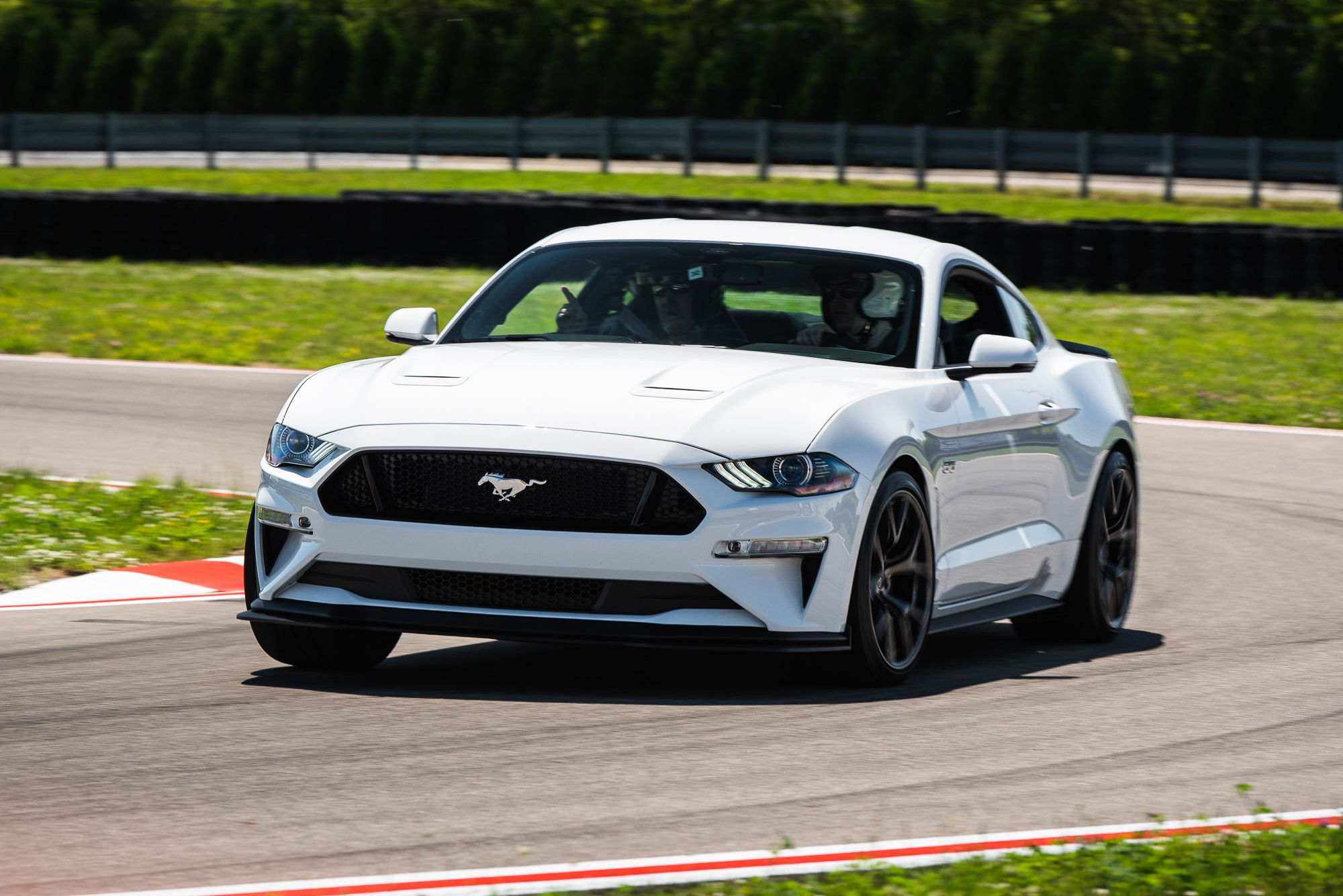 Quick Spin Gallery 2018 Ford Mustang Gt Performance Pack 2 News