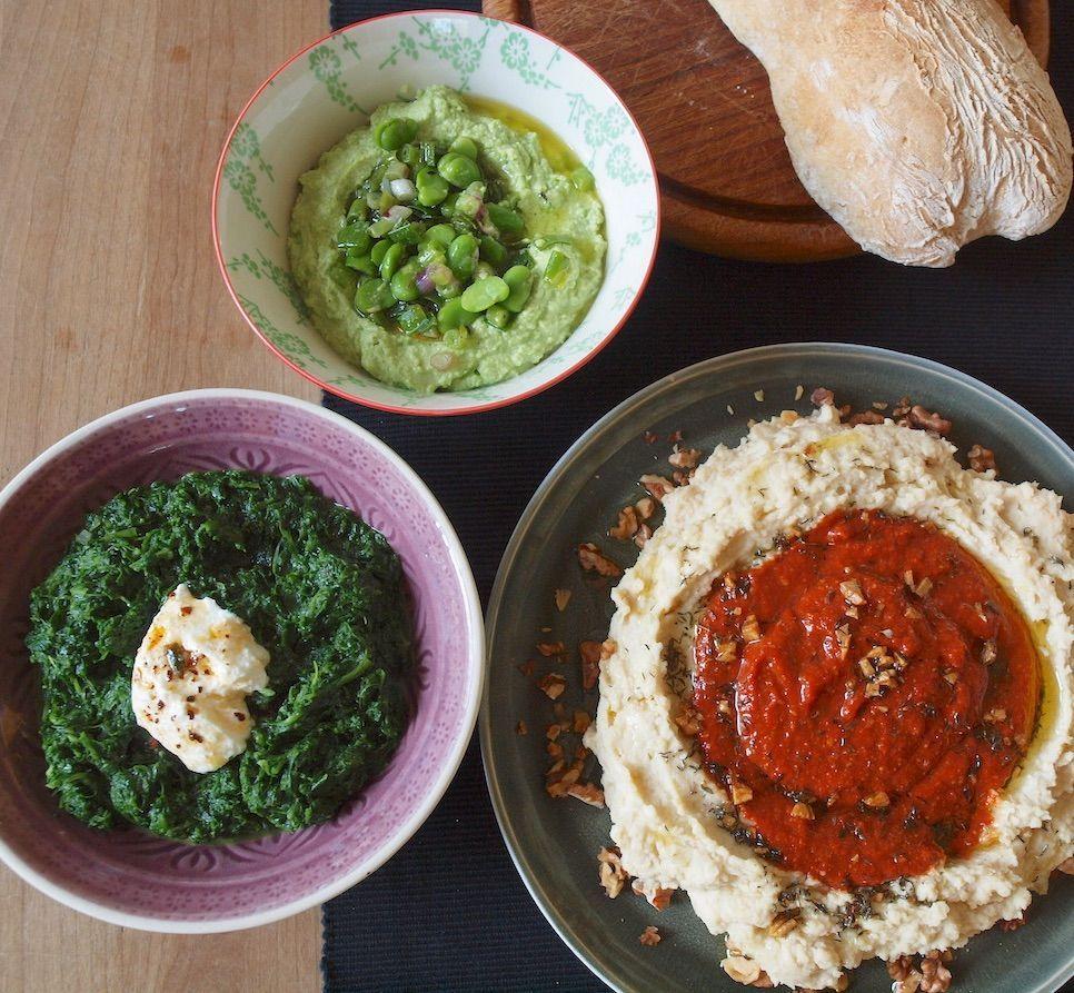 drei Dips von Yotam Ottolenghi sind eine wirkliche Bereicherung. Sie sind so einfach wie raffiniert: einfach zu machen und raffiniert im Geschmack und in der Zusammenstellung ihrer Zutaten. Ich…
