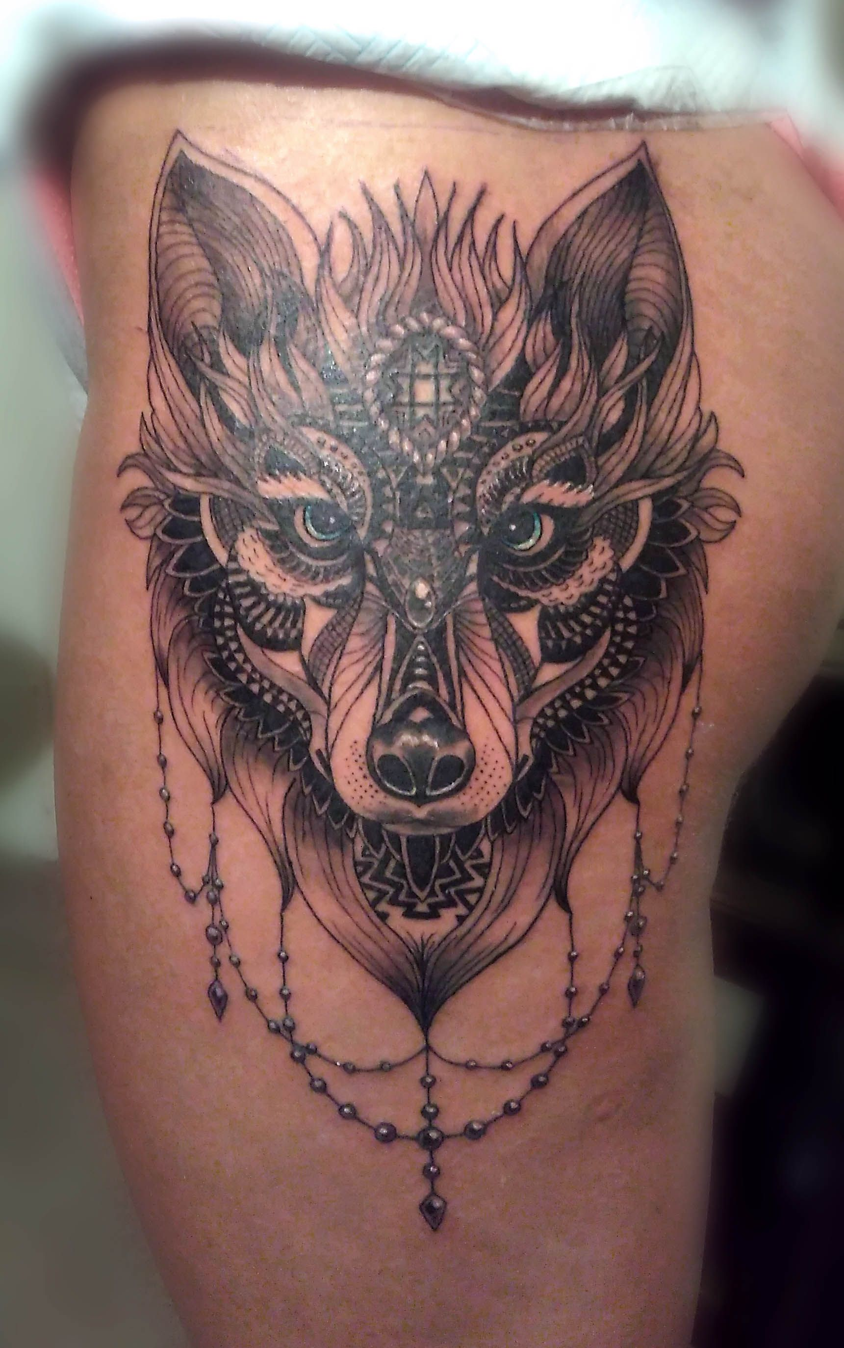 wolf front thigh tattoo ideas pinterest tattoo. Black Bedroom Furniture Sets. Home Design Ideas