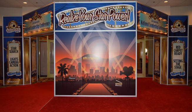 Large Entrance Unit At A Convention In Las Vegas Lasvegas Convention Tradeshow Vegas Graphics The Unit Entrance Las Vegas