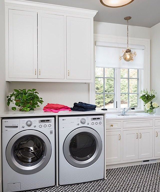 Beautifully Spacious Laundry Room White Laundry Rooms Laundry