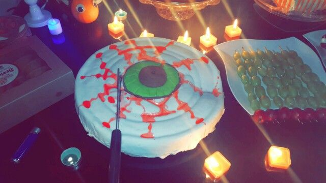 Magic ladies Halloween party at my home ... ❤ bloody eye cake