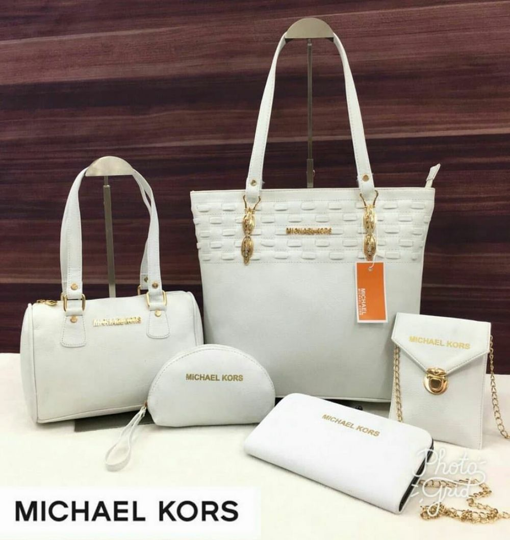 87ab786dd5cea9 Pin by Wish Clubs on Leathers | Michael kors, Purses, Shoulder Bag