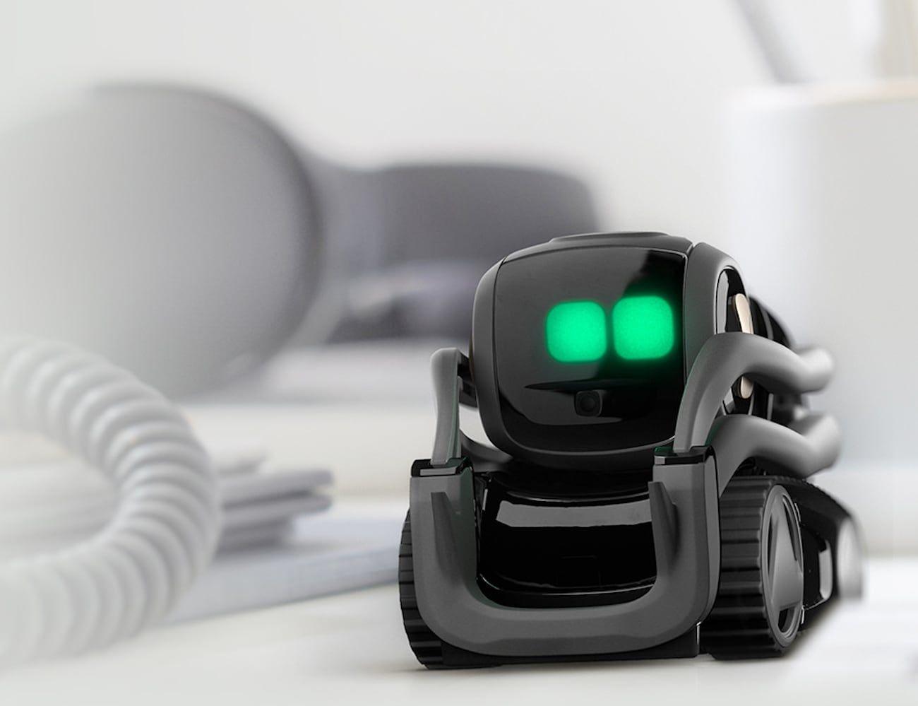 Anki Vector Advanced Home Robot » Gadget Flow   Vector robot ...