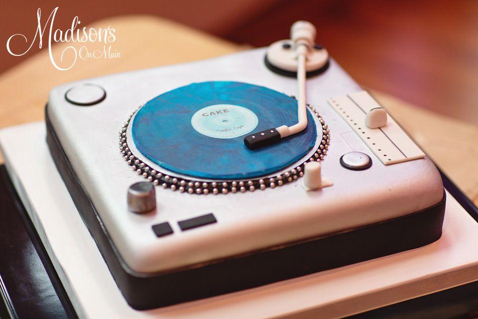 Dj Turntable Cake With Edible Vinyl Record Cake Cakes Groomscake Groom Dj Djturntable Turntable Cake Record Cake Dj Cake