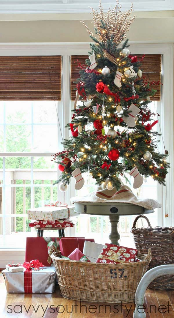 Table Top Christmas Tree Ideas To Jazz Up Your Home Decor Tabletop Christmas Tree Little Christmas Trees Small Christmas Trees